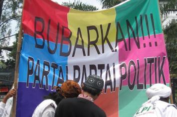 bubarkan partai politik