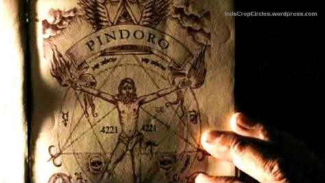 "Terlihat pada gambar (di atas tulisan 'PINDORO') yang berasal dari potongan film Kala, simbol Illuminati ""all seeing eye"" dengan kedua sayap di kanan-kiri bagian atas pada gambar."